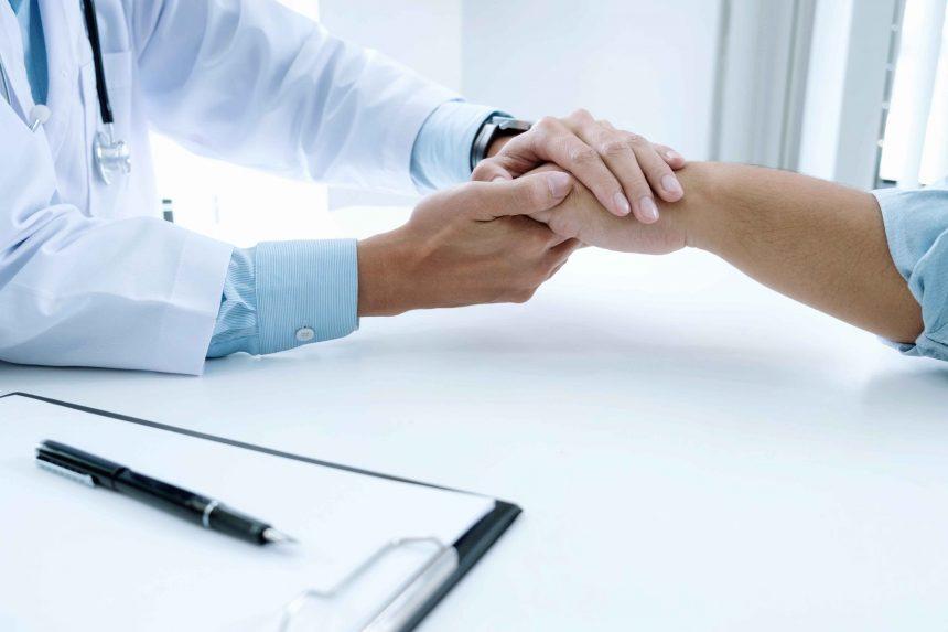 Індивідуальна медицина.  Консультації та обстеження на дому.
